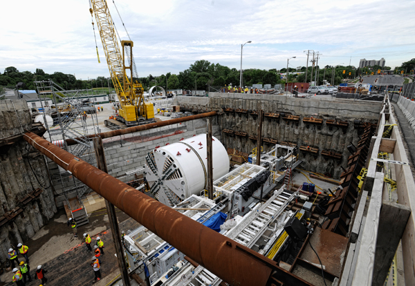 Assembly and launch of Tunnel Boring Machine